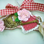 Valentine's Day Craft: Mixed Media Hanger