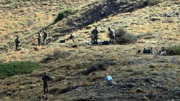 عناصر من الجيش الجزائري يقومون بعملية تمشيط في تيزي وزو