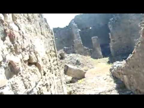 pompeii-tour-something-out-of-the-ordinary-on-the-wall15_thumbnail.jpg