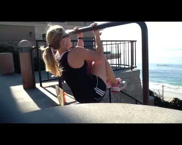 Knee Up Pullup
