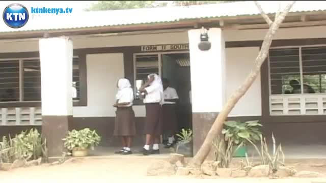 240p   128 kbit Lesbian students suspended