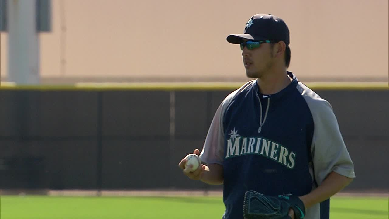 Hisashi Iwakuma Plays Catch