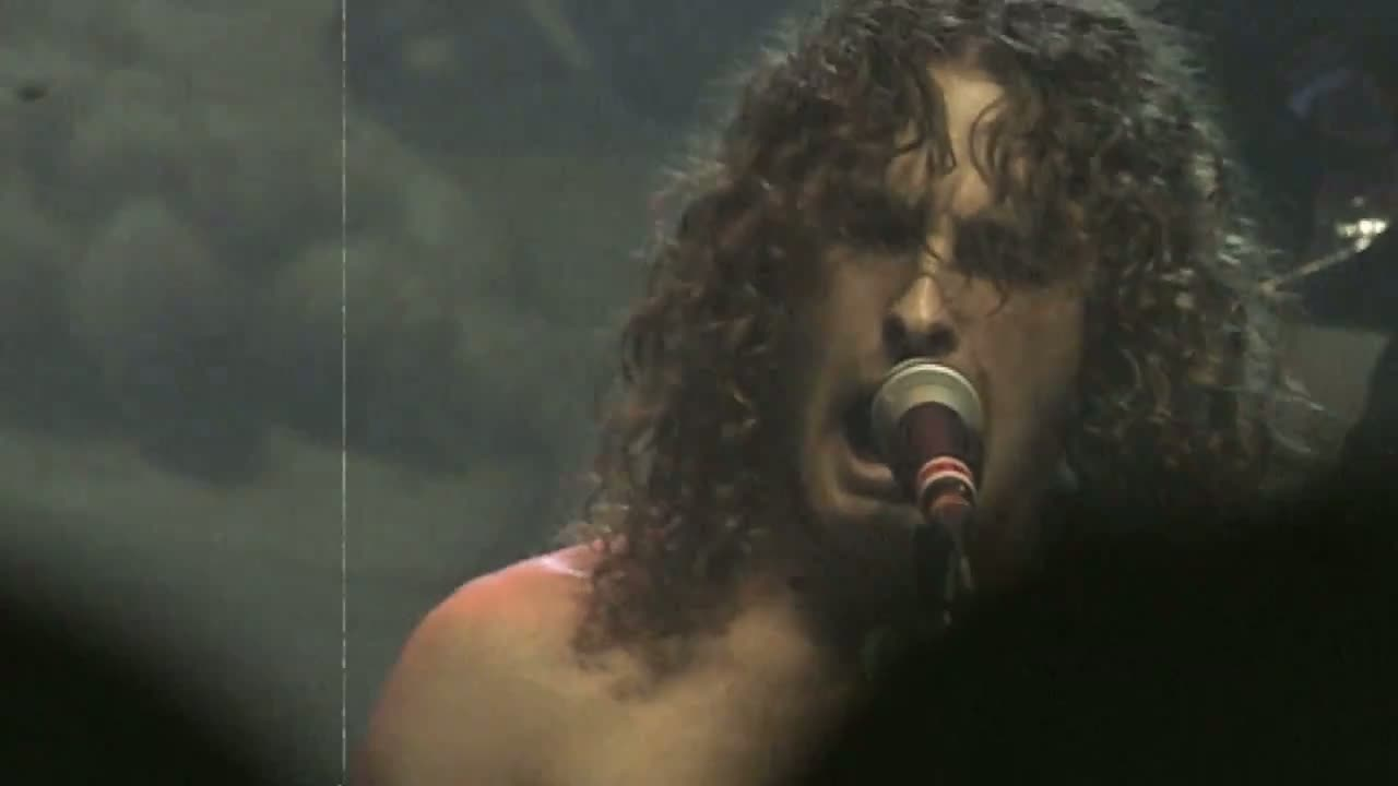 AIRBOURNE – Raise The Flag