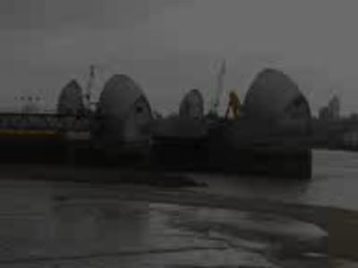 Closing the Thames Barrier