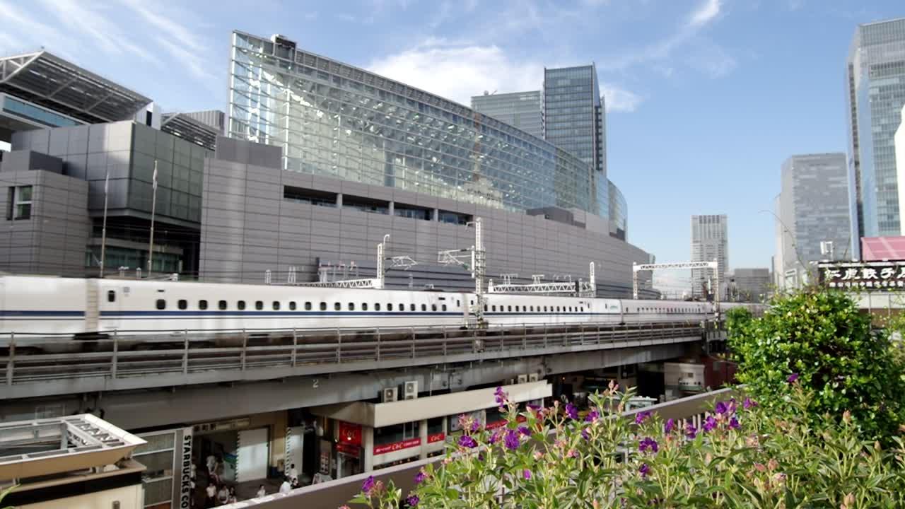 Bullet Train, Tokyo – TRAVEL67.com