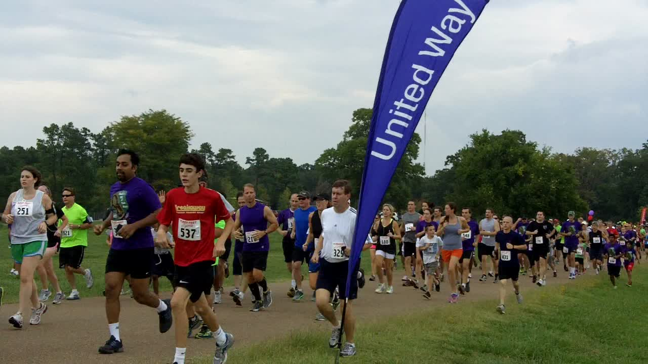 The race starts: FedEx 5K for United Way