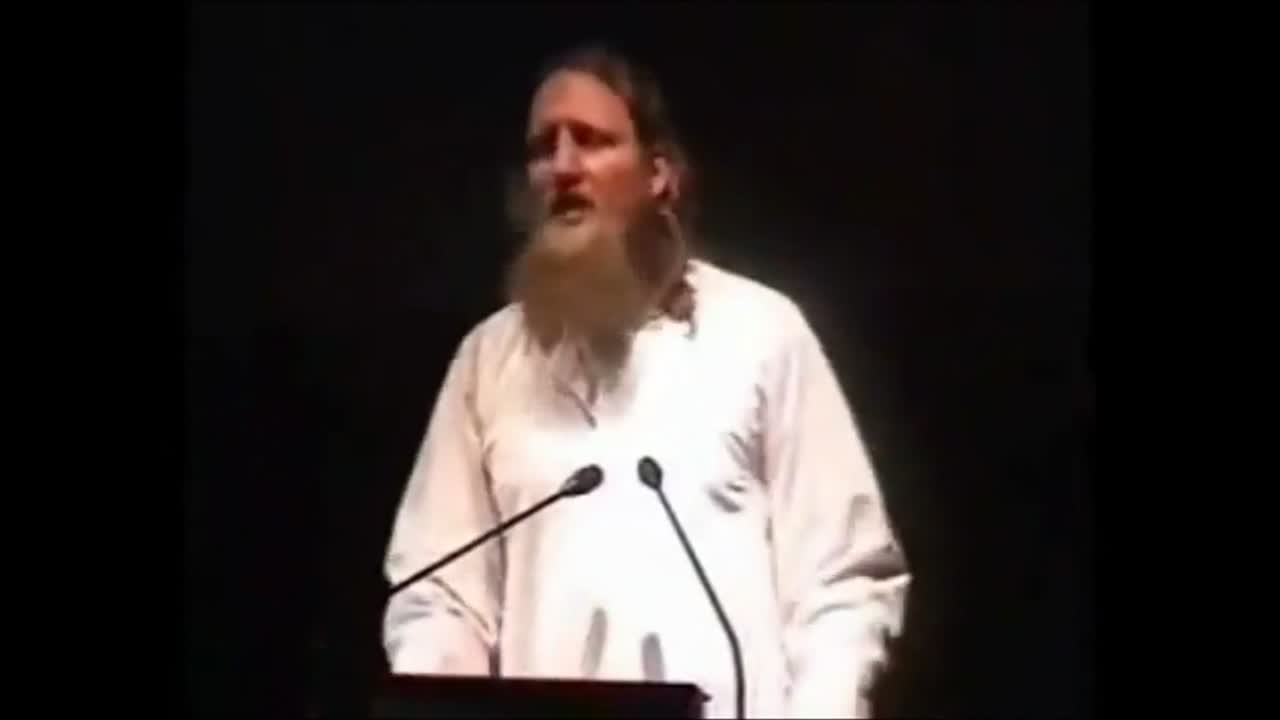Abdurraheem Green – Supporting the kuffar