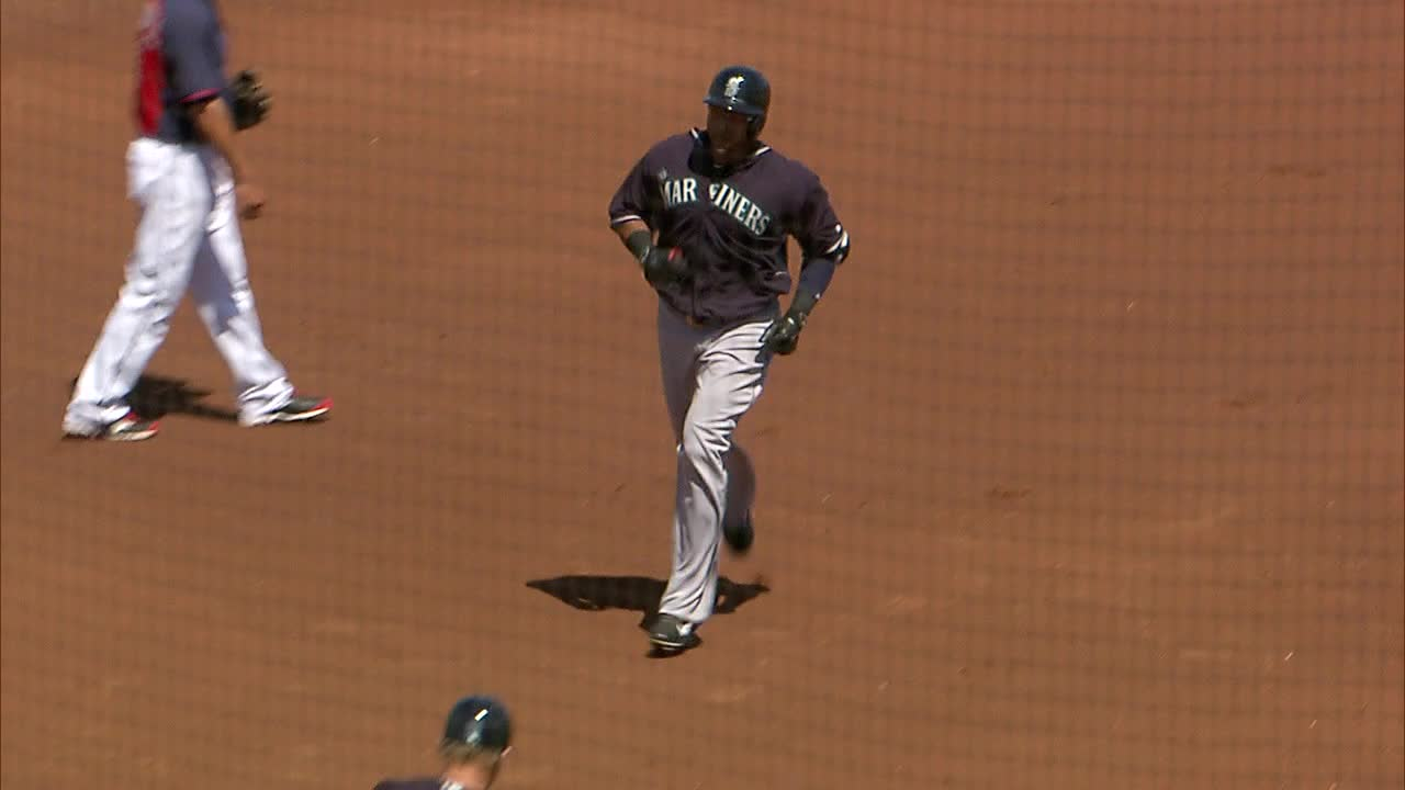 03-31-15_top 1_Cruz 2-run HR, scores Cano, SEA leads 3-0