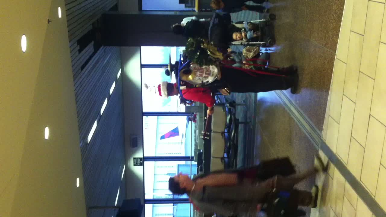 One Man Band @ Seattle Airport