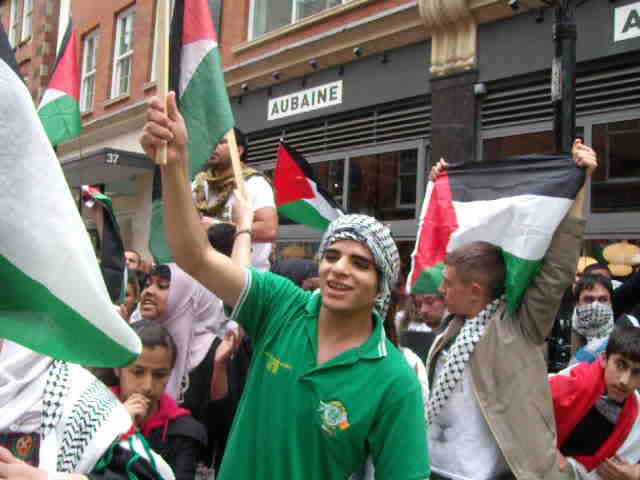 &#8220;Nakba Day&#8221; protesters screaming outside Israeli Embassy, 15th May.