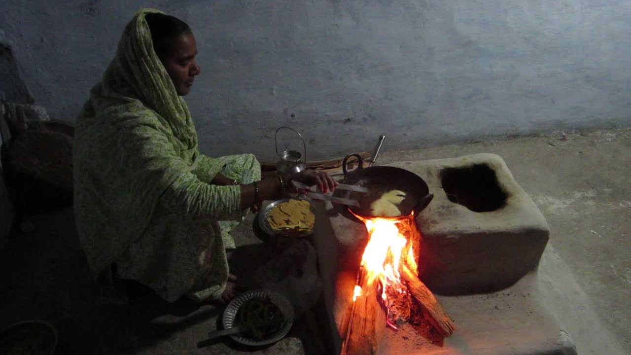 Kalle Bhai's lovely wife making us dinner