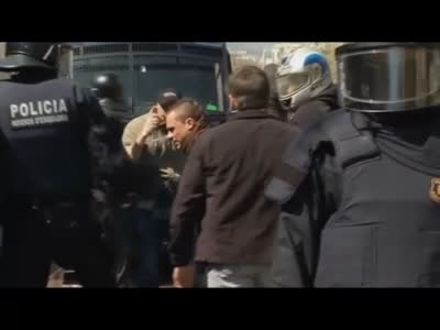 Spanish strike  arrests and vandalism in Barcelona  video   World news guardian.co.uk