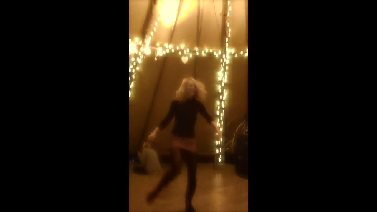 DANCING DEB