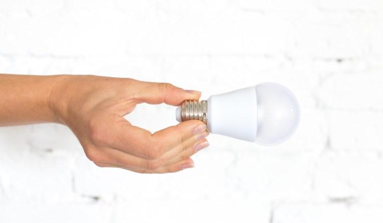 KLEINE SCHRITTE: VON DER ENERGIESPAR- ZUR LED LAMPE