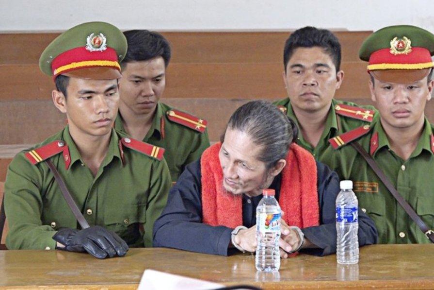 Tín đồ Phật giáo Hòa Hảo Thuần túy Vương Văn Thả tại phiên tòa ngày 23-1-18 ở tỉnh An Giang - VNA-Cong Mao via REUTERS Reuters _ VIETNAM VOICE