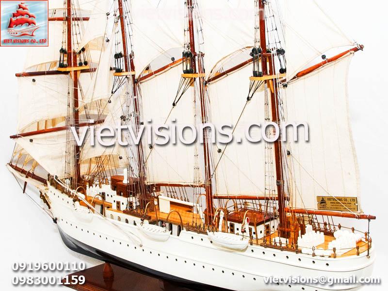 Mô hình tàu chiến Esmeralda