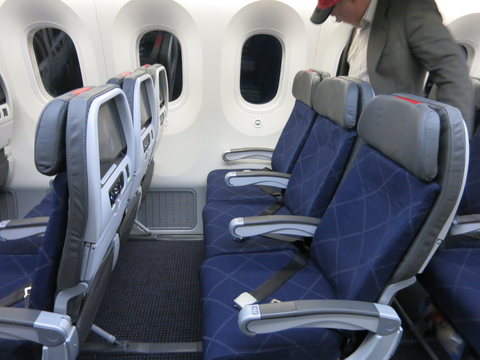 Just how pathetic is business class in europe view from for What is the difference between delta comfort and main cabin