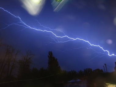 lightning-113596_640