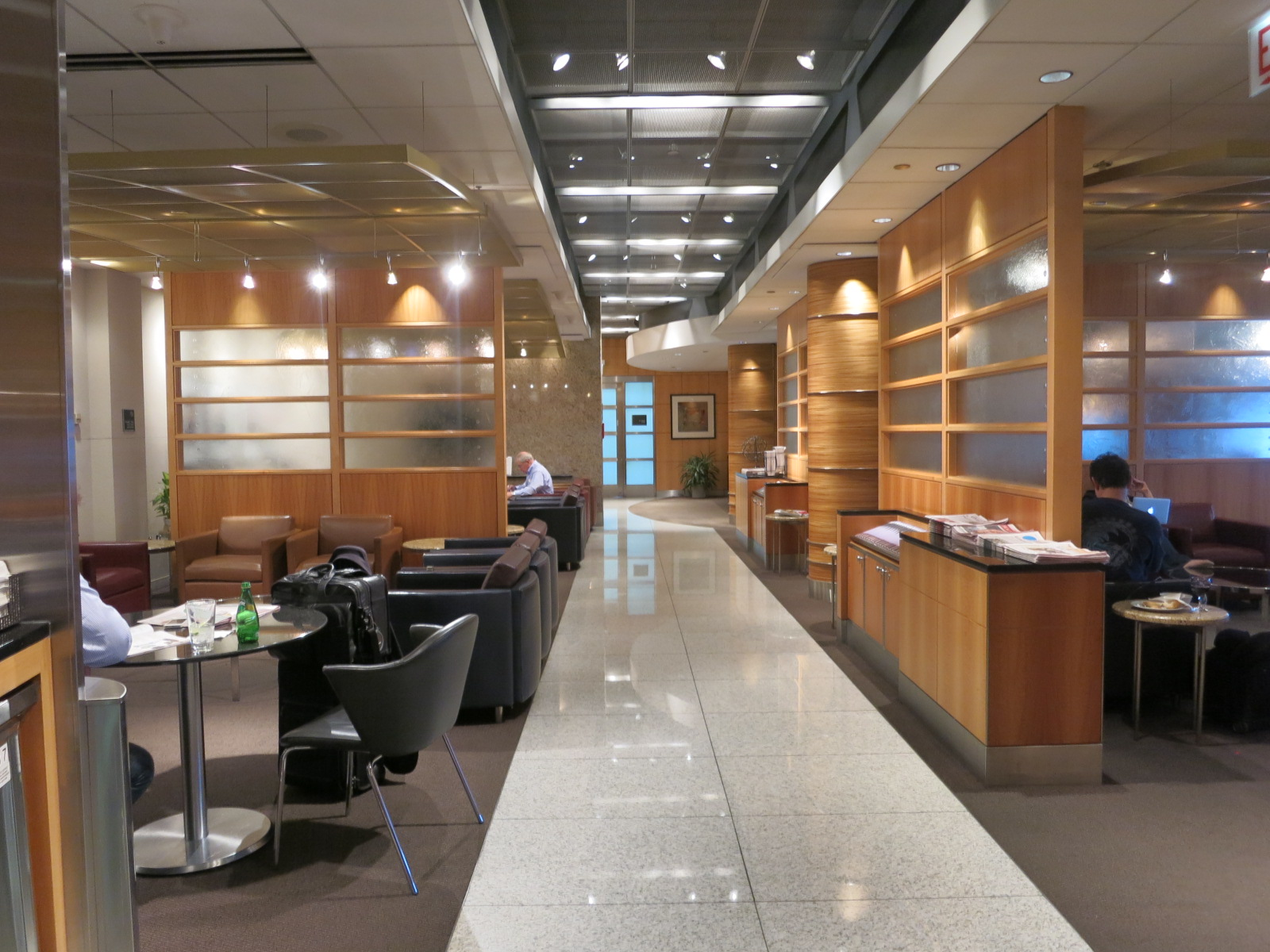 american airlines flagship lounge dfw