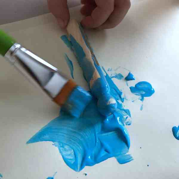 This simple Troll craft is fun for kids to make, and using a number of different colors and 'hair' can make a variety of Trolls!