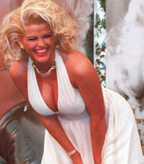 The Hidden Life of Marilyn Monroe, the Original Hollywood Mind Control Slave (Part-II) Anna_nicole_smith_marilyn_monroe-V