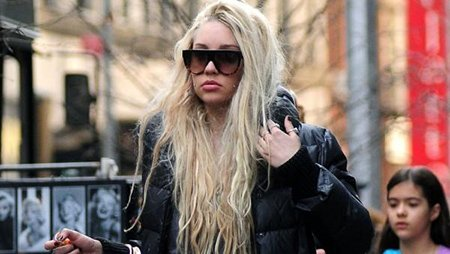 Amanda Bynes Following in the Footsteps of Britney Spears, Placed Under Conservatorship