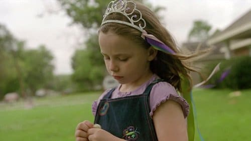 In another scene, Marty's girls are seen wearing a crown with ribbons - which is reminiscent to the Satanic antler crown with ribbons placed on the victims during the rituals.