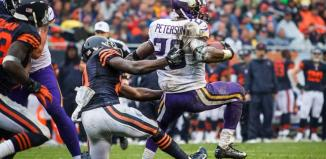 Adrian Peterson Stiff Arms Chicago Defender