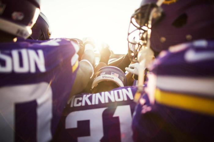 Vikings 2015 Huddle