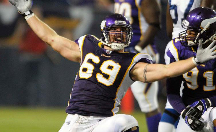 Jared Allen signs 1-day contract to retire with Vikings