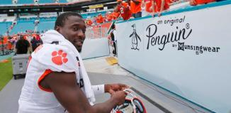 "Mackensie Alexander ""Excited to Compete"" for Vikings"