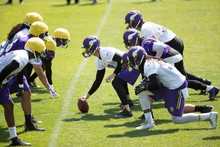 Vikings Extend Kevin McDermott