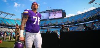 Alex Boone Injured in Vikings Win