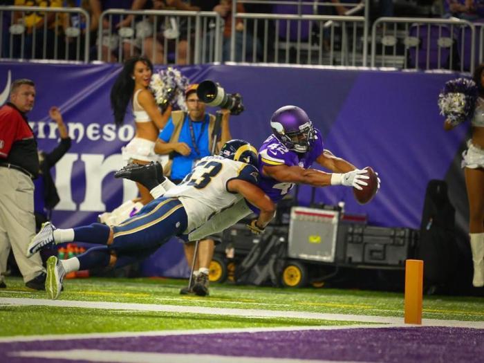Vikings Beat Rams 27-25