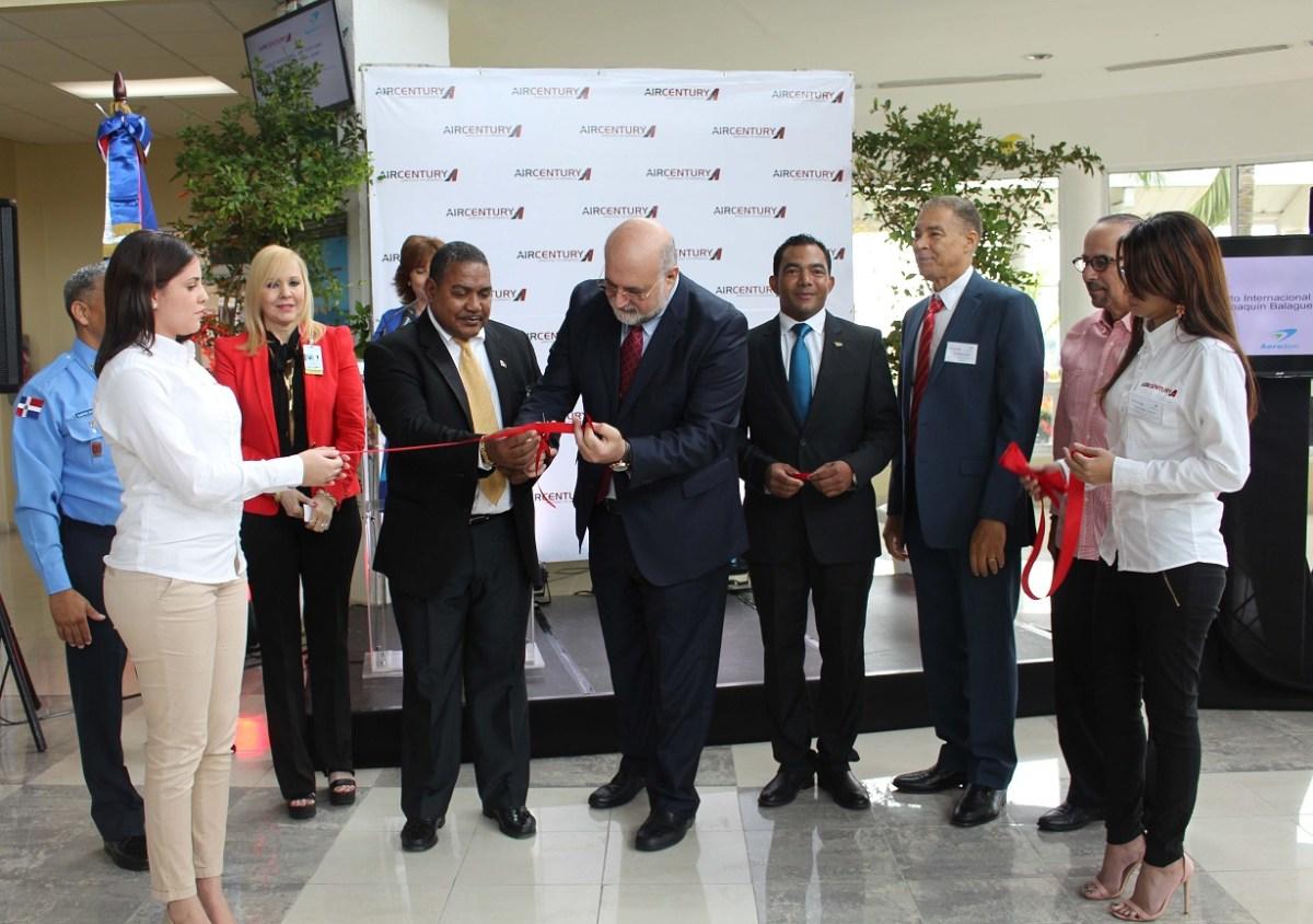 En aeropuerto El Higuero, Air Century inaugura vuelo Santo Domingo – San Juan, Puerto Rico.