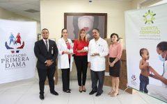 Despacho Primera Dama dona equipo para disminuir mortalidad en recién nacidos