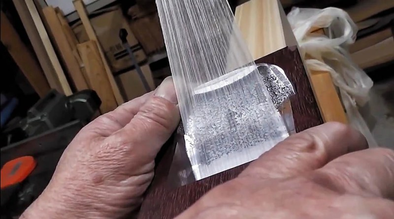 Видео: Невероятно острый японский рубанок оставляет древесную стружку всего каких-то 8 микрон.