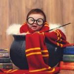 Красивая фотосессия симпатичной 3-месячной девочки в стиле «Гарри Поттер».