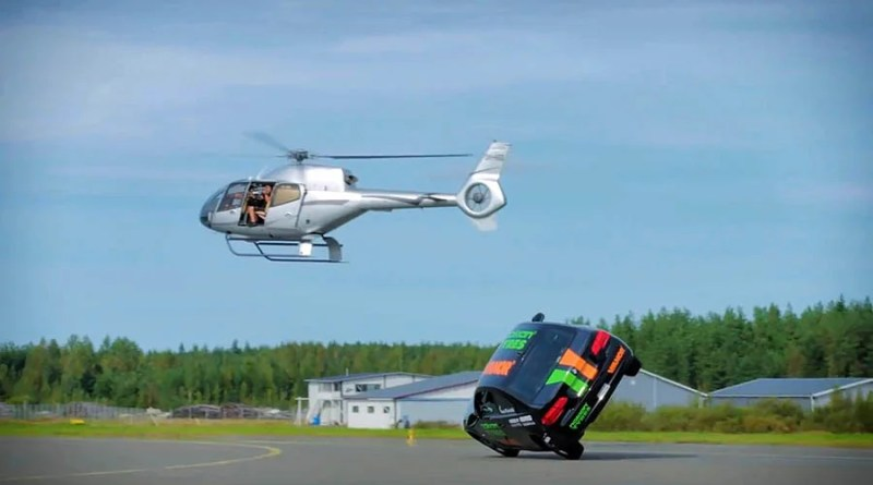 Финский каскадёр установил новый мировой рекорд скорости на двух колёсах. [Видео]