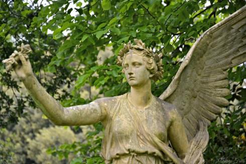 Osbourne House Angel Statue