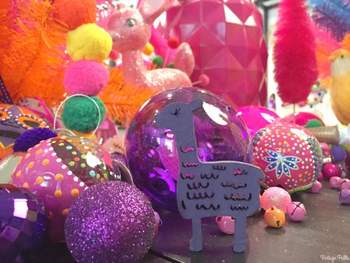 paperchase-press-day-pink-and-purple-decorations