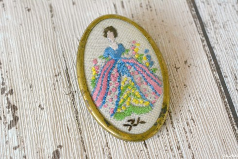 vintage-embroidered-crinoline-lady-brooch