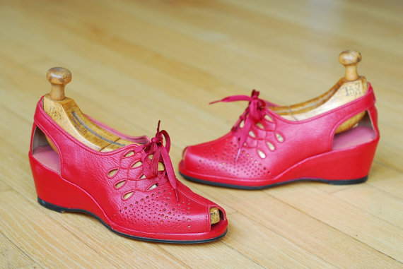 1940s peep toe wedge vintage shoe