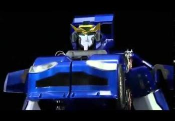 Japanese Inventors Create Real-Life Transformer