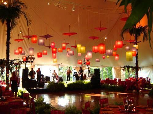 Eastern inspired Weddings - paper lanterns via National Vintage Wedding Fair blog