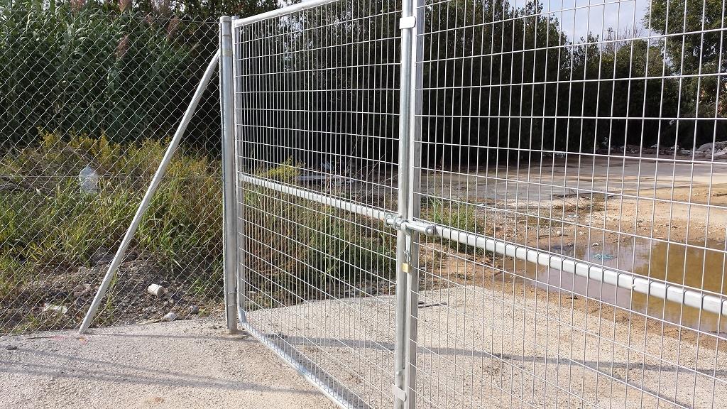 Puerta malla electrosoldada galvanizada vinuesa vallas - Malla electrosoldada galvanizada ...