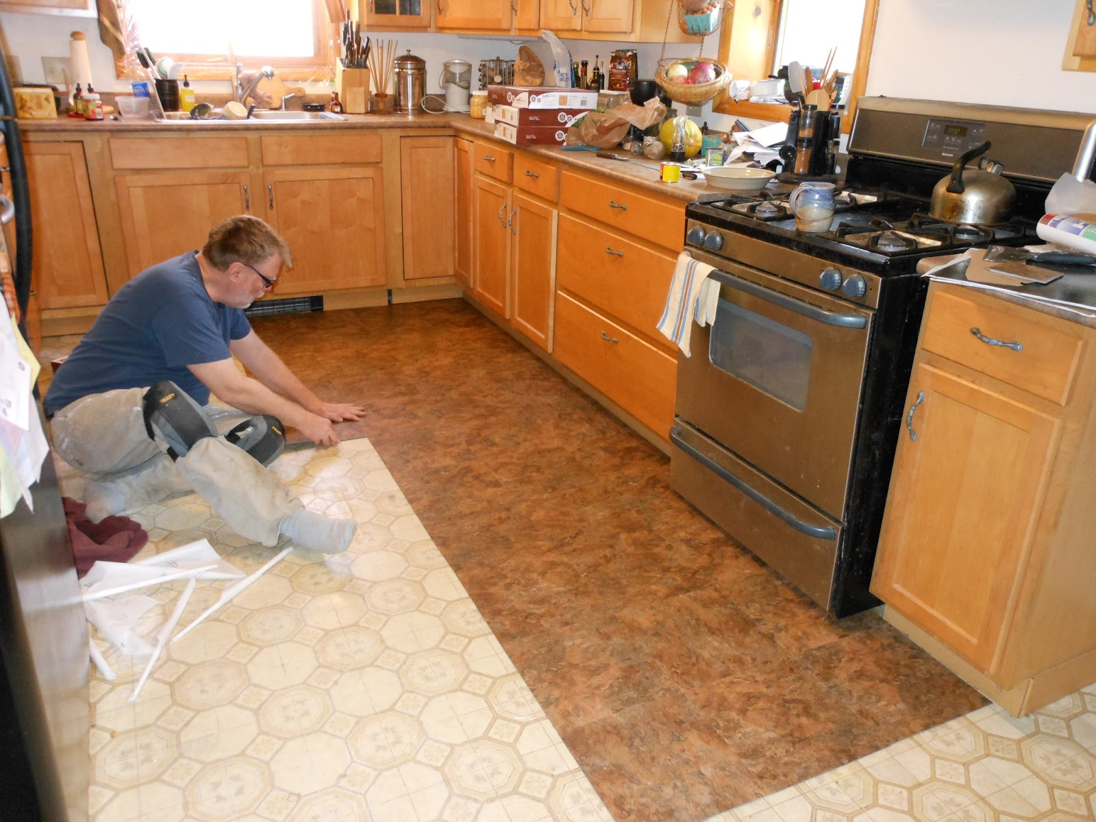 kitchen vinyl flooring kitchen flooring vinyl