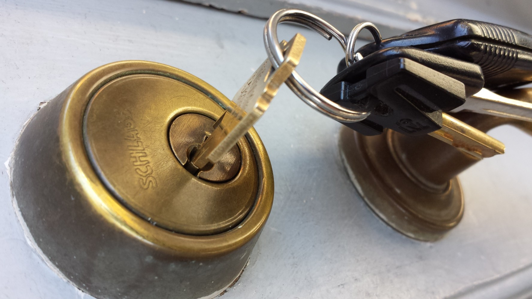 A picture of a lock and keys symbolizing privacy.