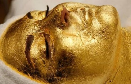 Ten unusual gold products. Rejuvenating gold mask of pure gold by Japanese beauticians