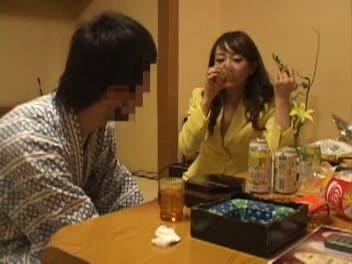 【コンパニオン】ピンクコンパニオンと酒で酔っ払いイケイケで野球拳…【fc2】